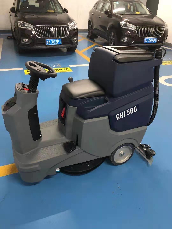 GRL580驾驶式洗地机案例